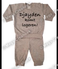 Pyjama (naam) blijft logeren