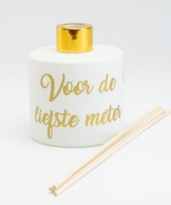 Parfumfles wit met goudkleurige dop met stokjes